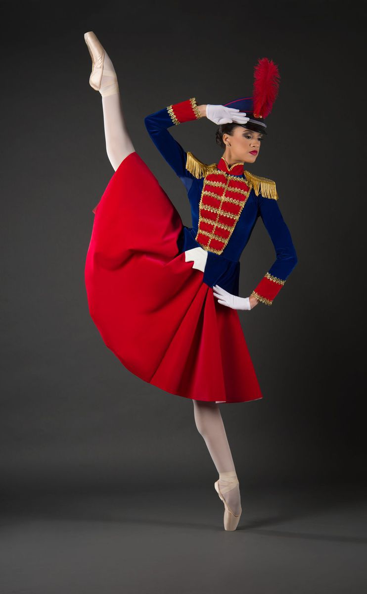 NUTCRACKER SKIRT